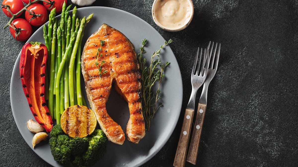 Cómo perder peso con una dieta low-carb