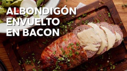 Albondigón envuelto en bacon