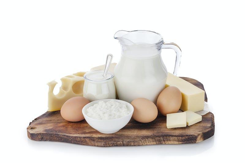 Cómo hacer pan keto con huevos, queso y otros productos lácteos