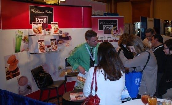 Godisförsäljare på bantarkonferens