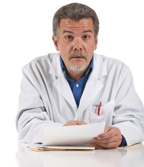 Läkaren tappade hakan