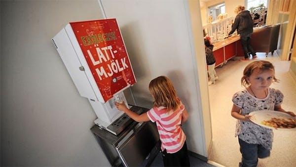 Barn som dricker lättmjölk blir tjockare – igen!