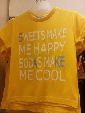 """Åhléns tar slutligen bort """"läsk är coolt"""" T-shirten!"""