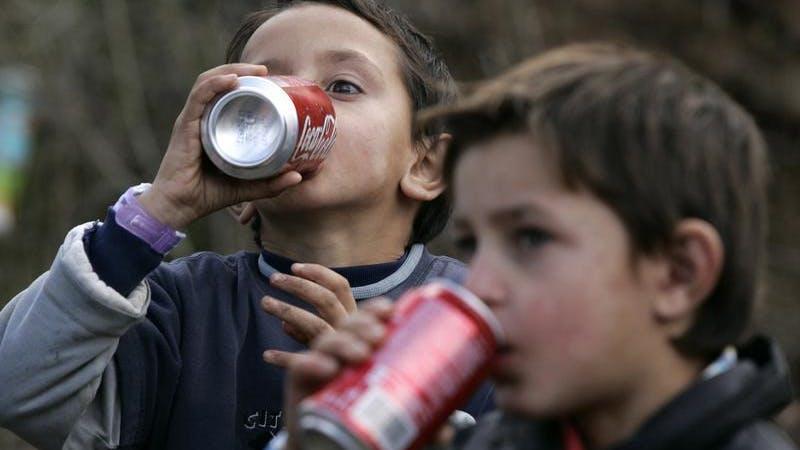 Aggressiva barn med koncentrationsstörningar dricker mycket läsk