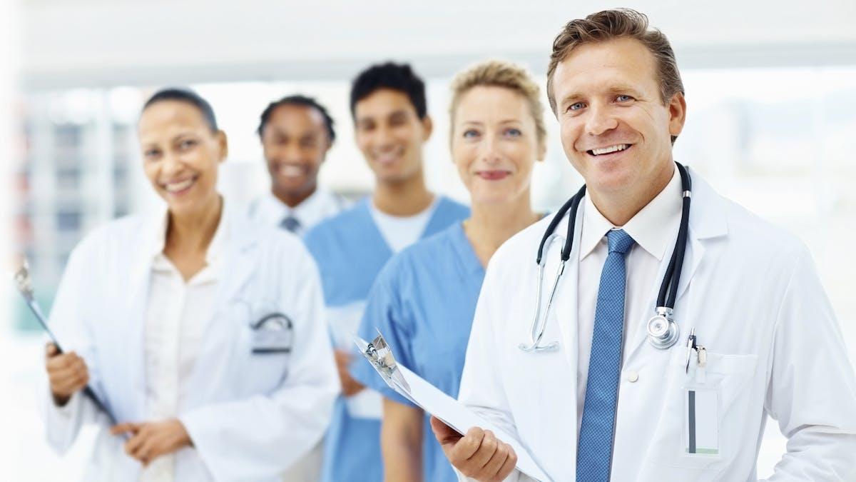 Sjukvården ger råd om LCHF...  men kan inte själva!