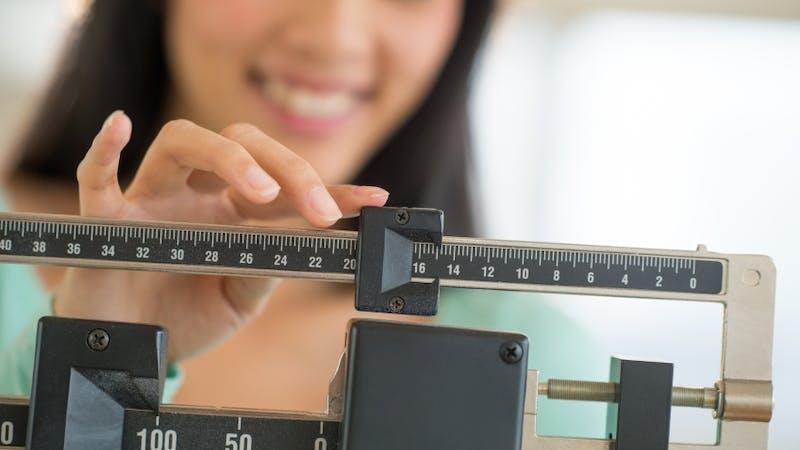 Ny stor studie: Lågkolhydratkost återigen bäst för både vikt och hälsovärden!