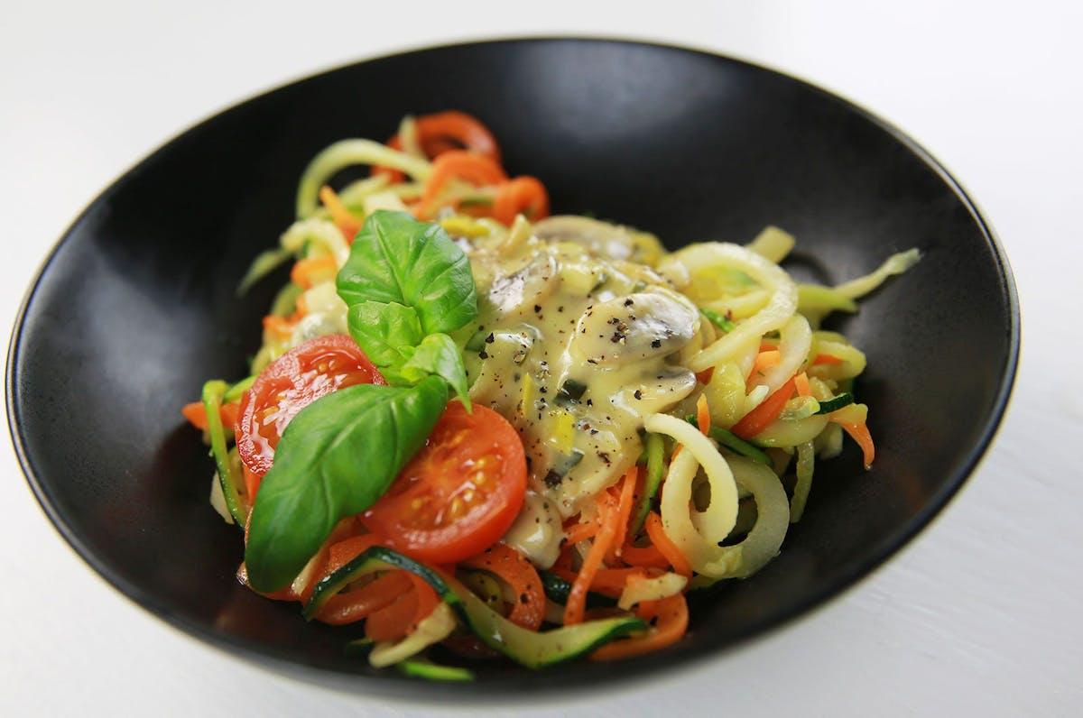 Vegetarisk fredag: Grönsaksspaghetti med champinjon- och ädelostsås