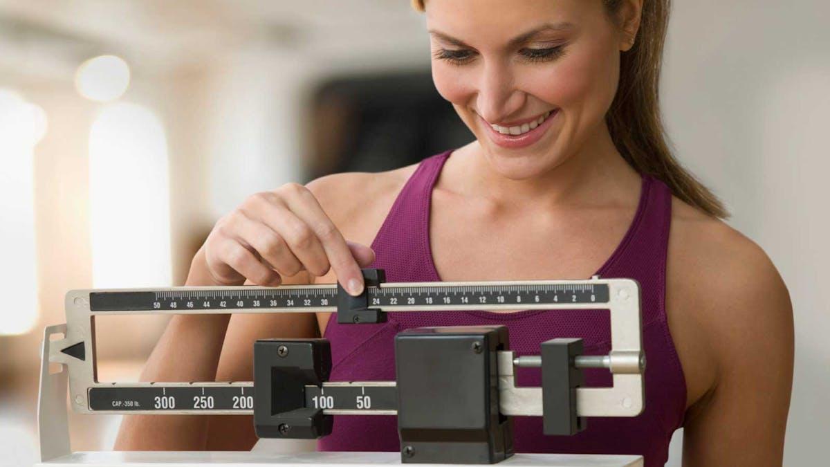 Lågkolhydratkost bäst för vikten enligt ännu en ny genomgång