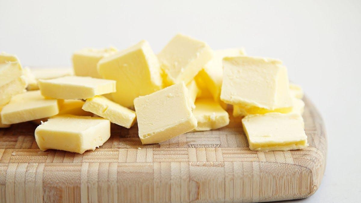 Ny analys: Att undvika smör är inte bättre för hälsan