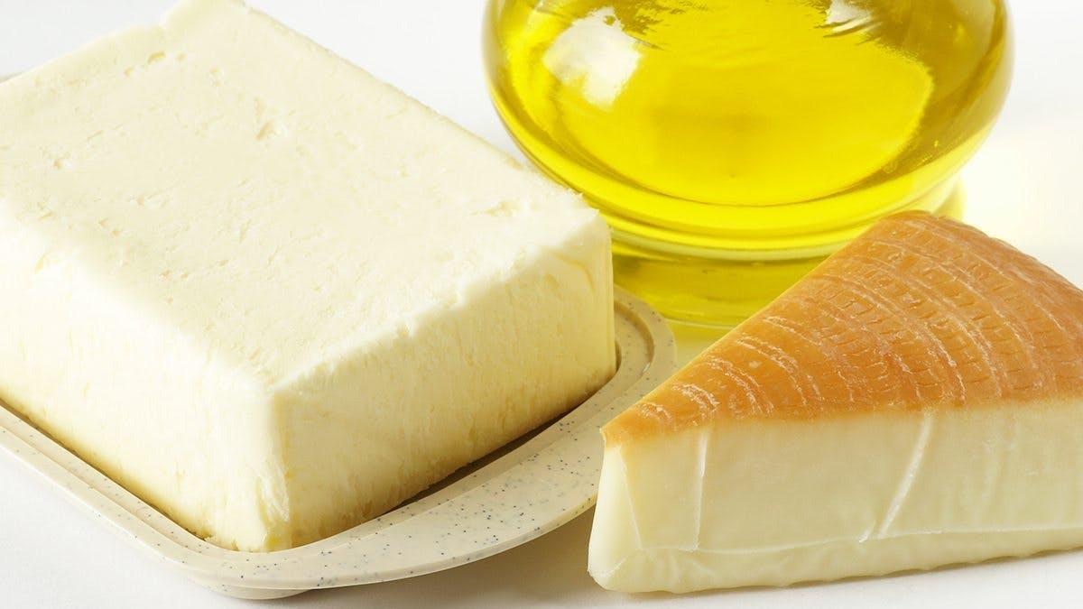 """Public Health England: Råd om att äta mer fett """"oansvarigt"""""""