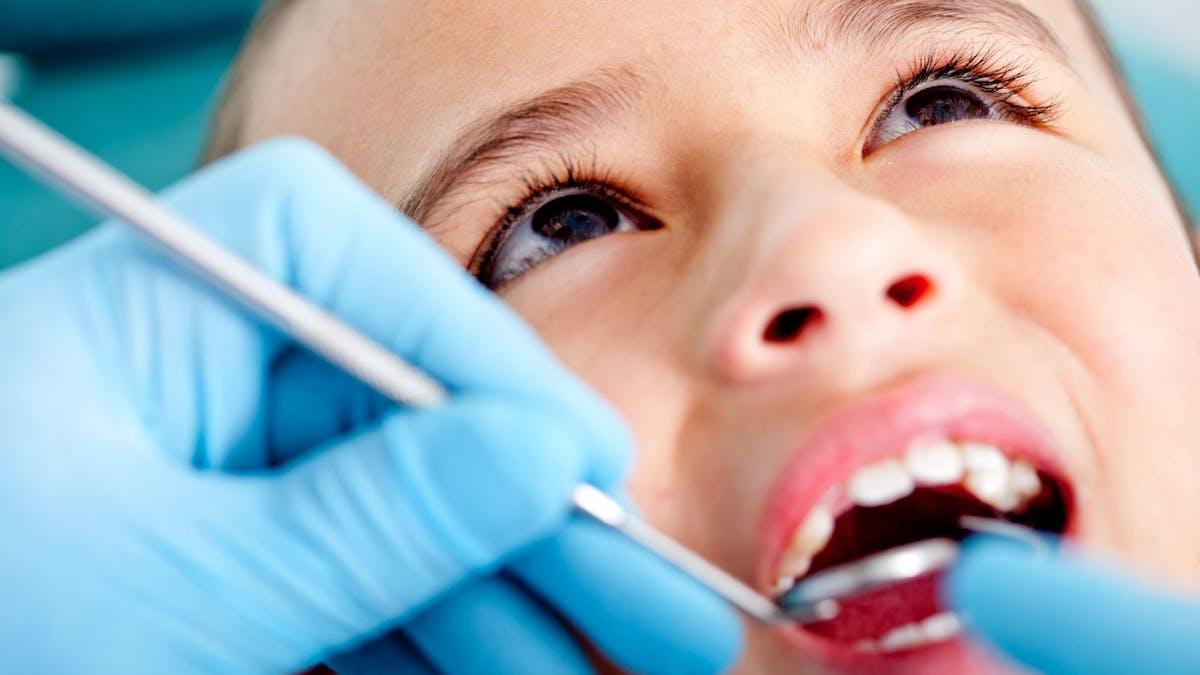 Förhindra att dina barn får hål i tänderna med hjälp av lågkolhydratkost