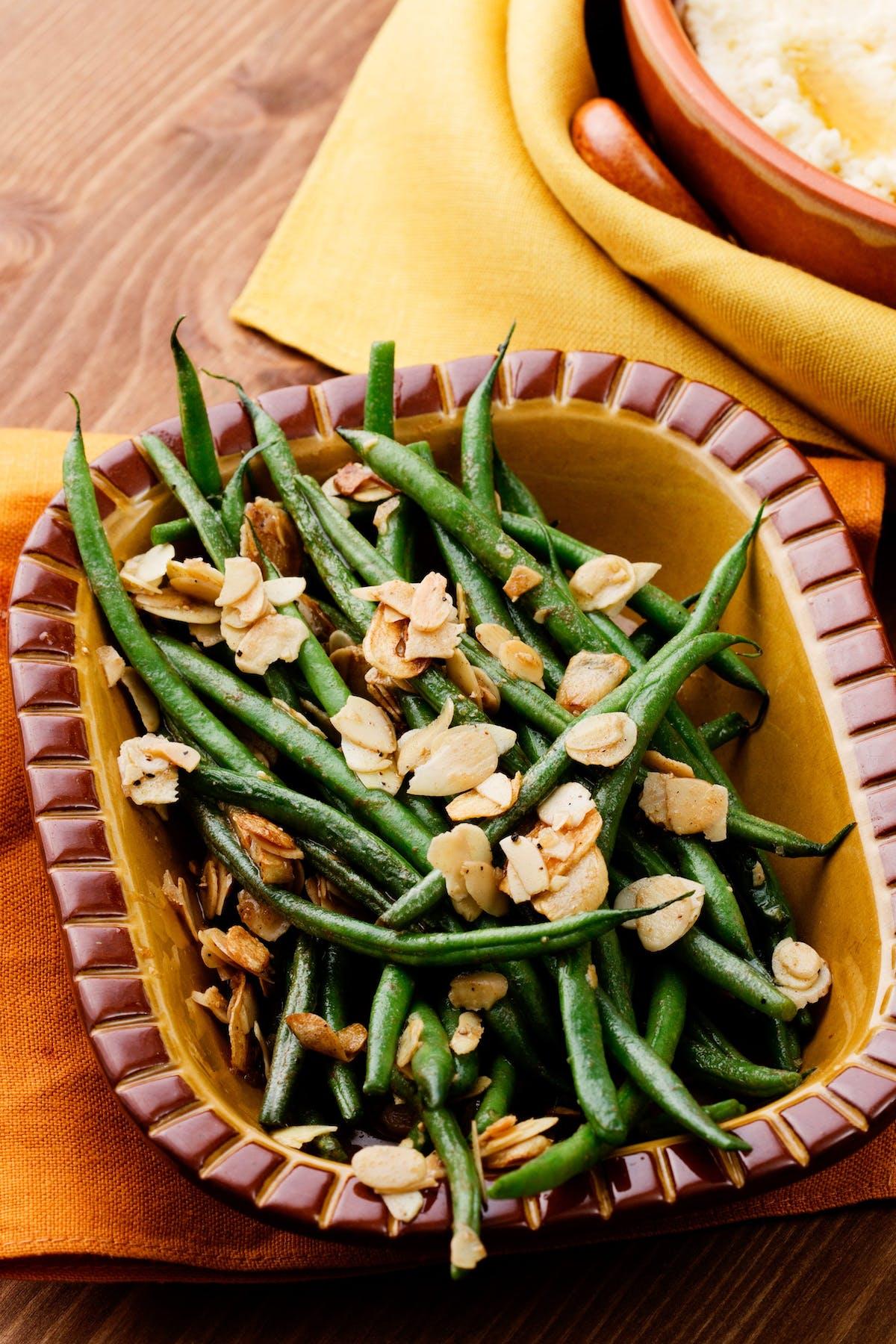 Gröna bönor med mandel och vitlök