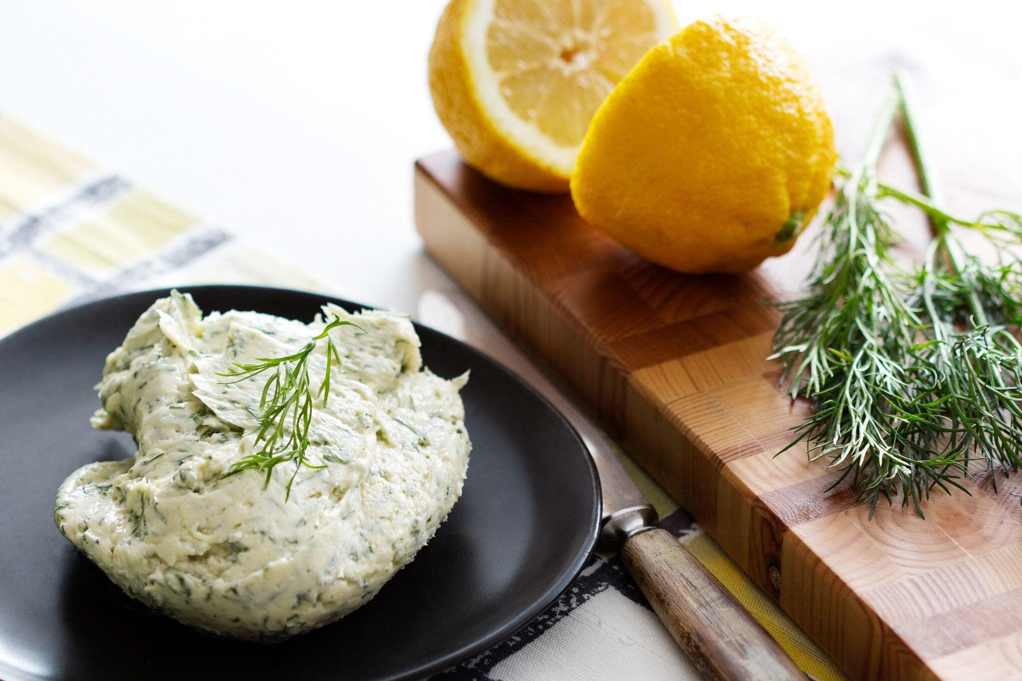 Smörkräm med citron och dill