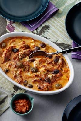 Röd pestokyckling med oliver och fetaost