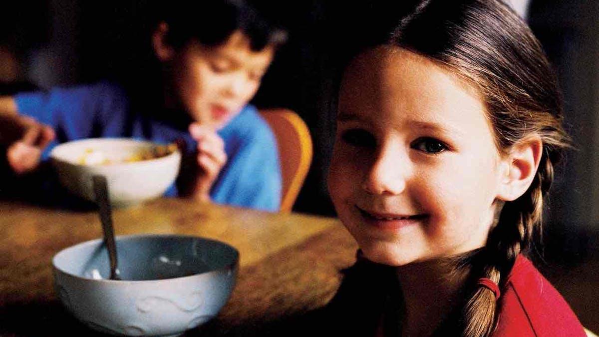"""Socker är """"barnens alkohol"""" och ändå låter vi det dominera frukostbordet"""
