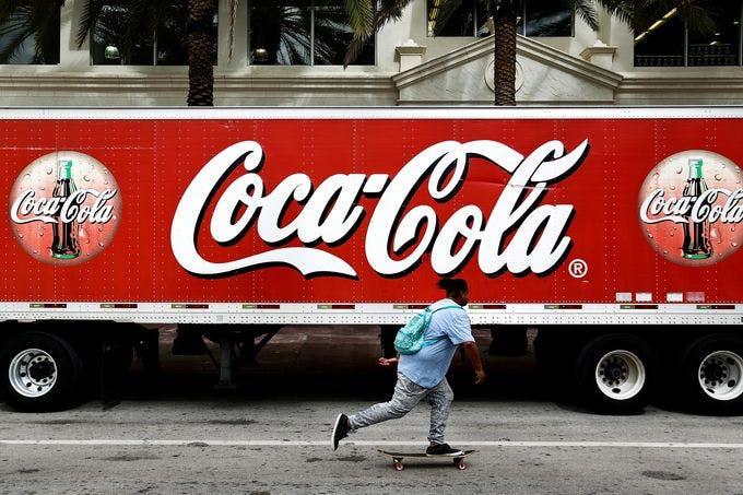 Coca-Cola stäms för vilseledning – likt tobaksindustrin