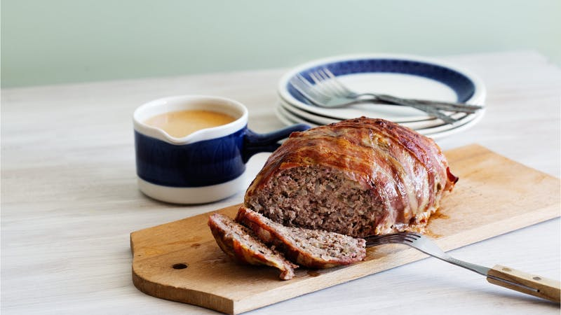 Baconlindad köttfärslimpa