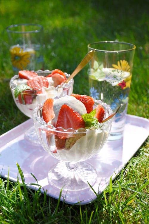 Sockerfri gräddglass med äkta vanilj