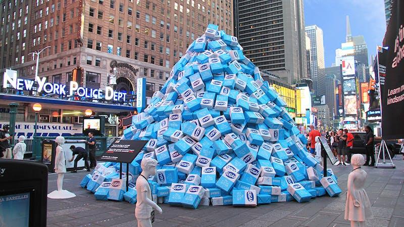 20 000 kilo socker på Times Square – en demonstration för barns hälsa