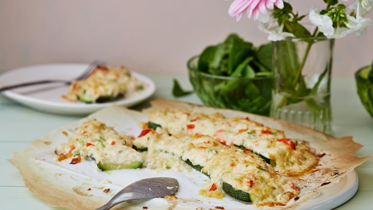 Zucchinimacka med gratinerad krabbröra