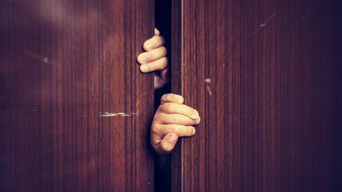 Skicka vidare, eller varför du ska komma ut ur garderoben