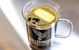 Är kaffe med smör och olja nyckeln till viktnedgång?