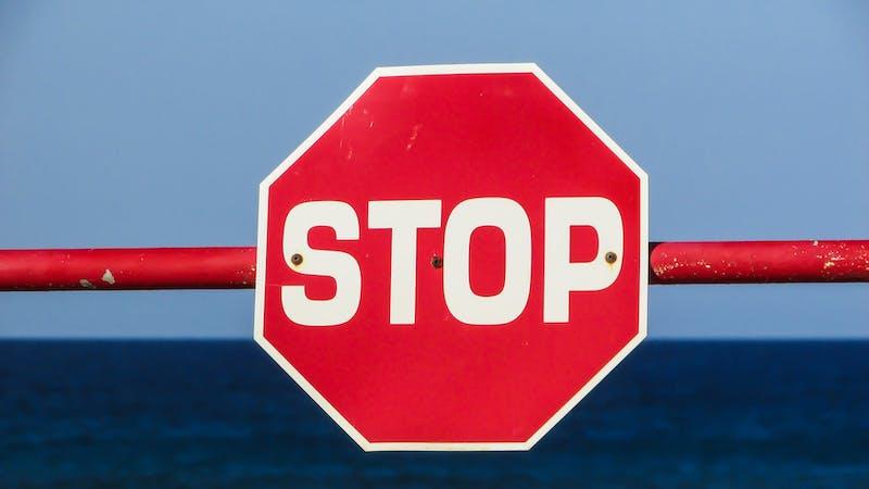 stop-1374937_1920