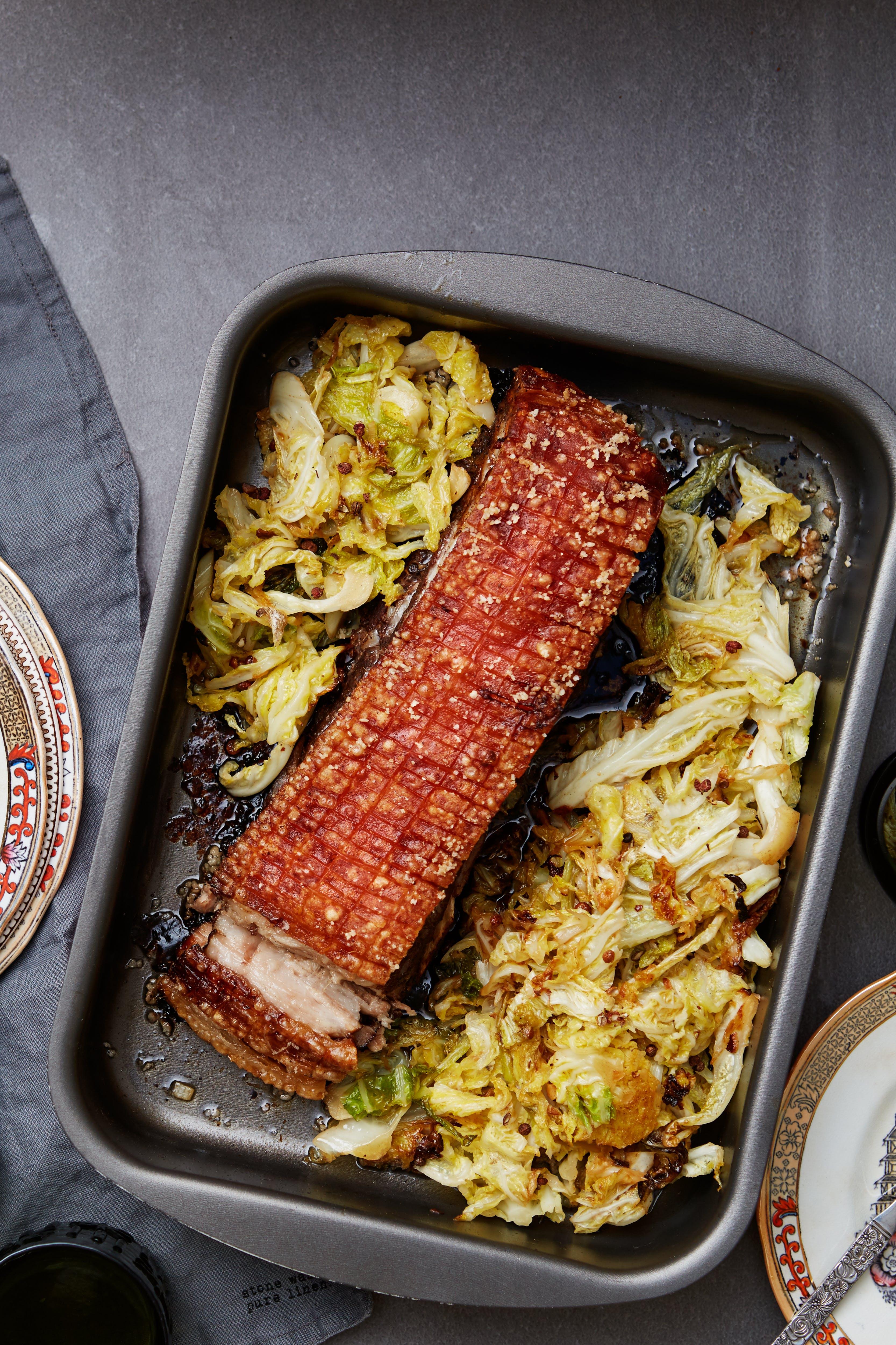 Krispigt kinesiskt sidfläsk med savoykål