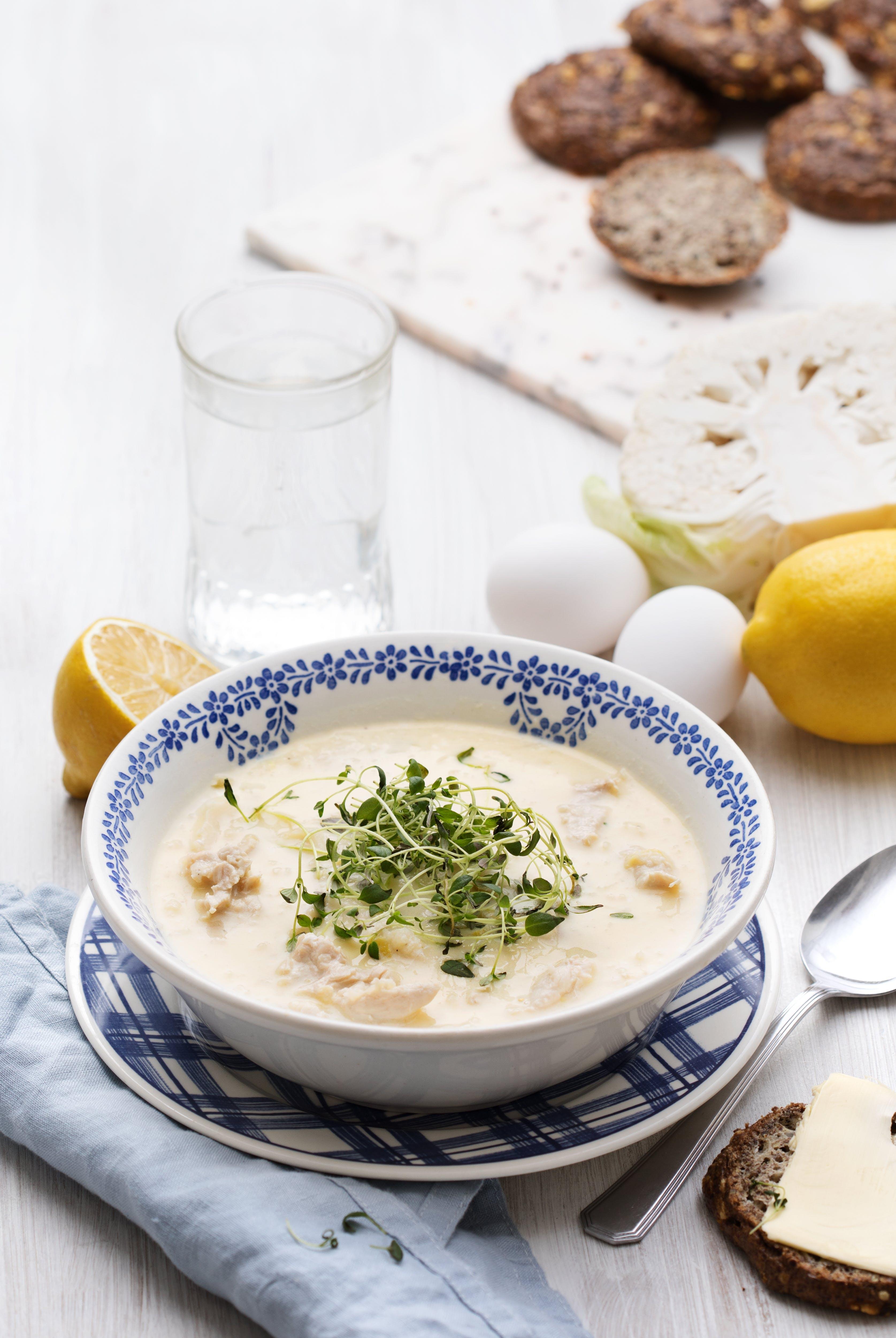 Grekisk kycklingsoppa med citron