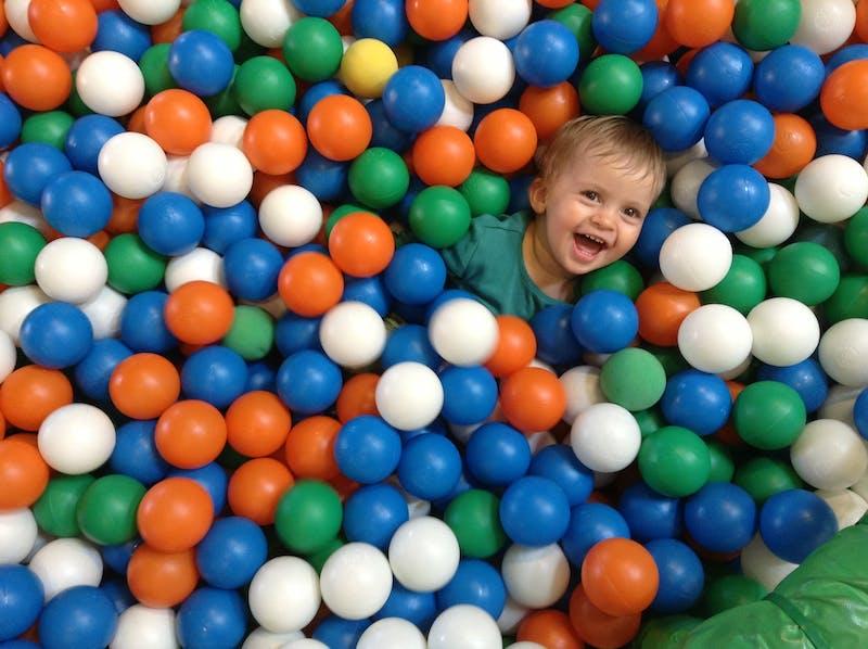 ball-pool-3024901_1920
