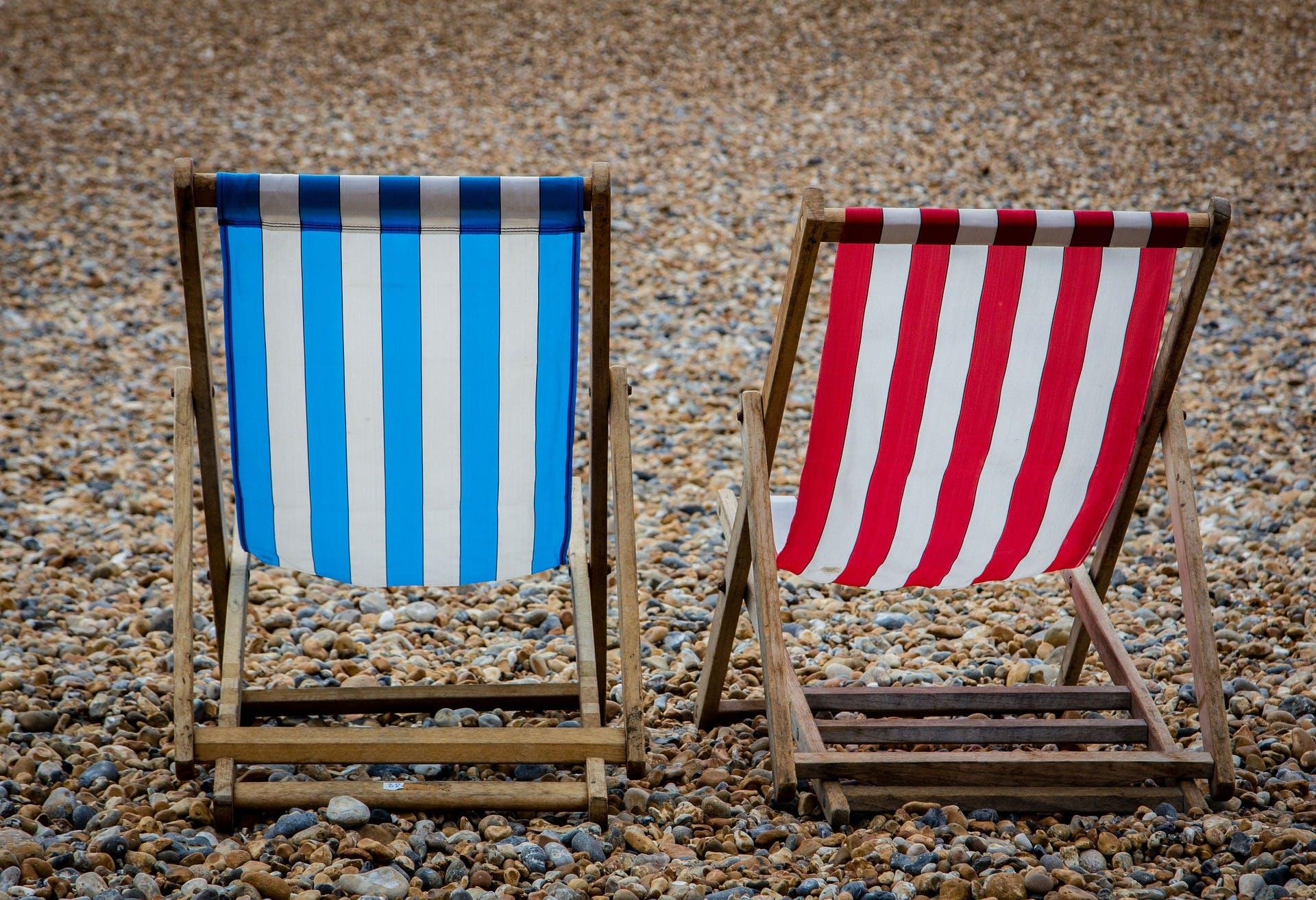deck-chair-2682753_1920