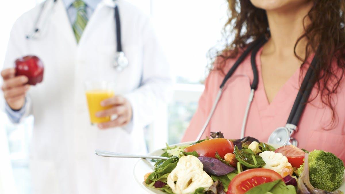 Brittiska allmänläkare får utbildning i lågkolhydratkost