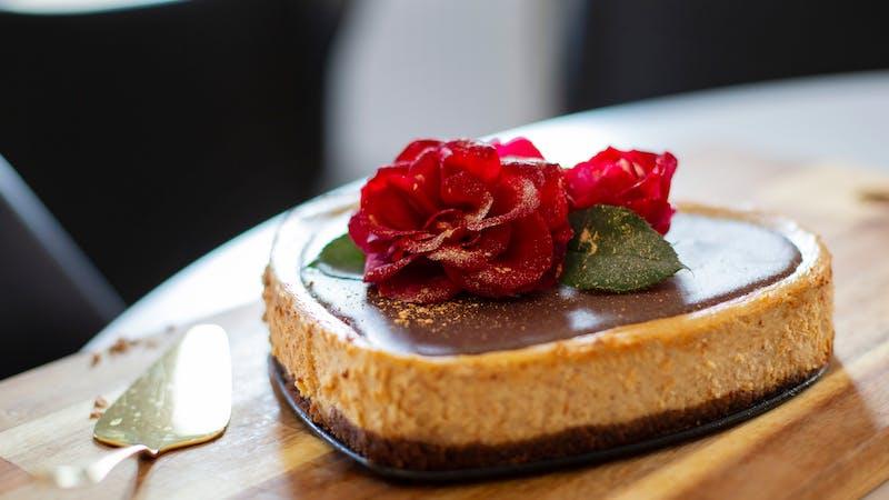 Cheesecake med jordnötssmör och chokladbotten