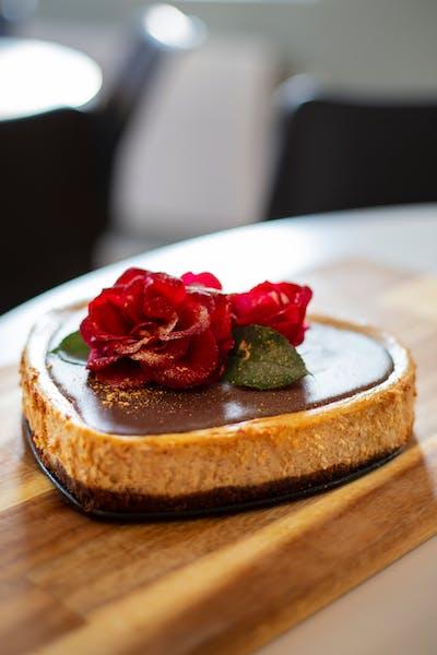 Cheesecake med jordnötssmör och chokladbotten<br />(Efterrätt)