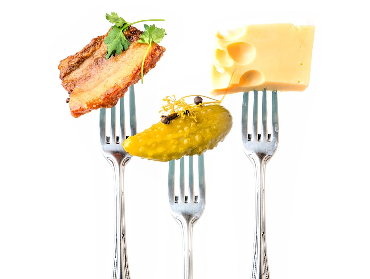 Snacks_forks_with_food