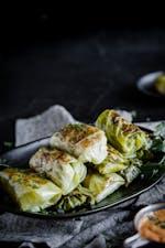Dumplings med kyckling och jordnötsdipp