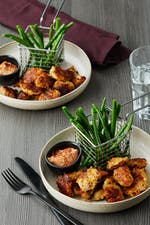 LCHF-chicken nuggets med gröna pommes och BBQ-majo