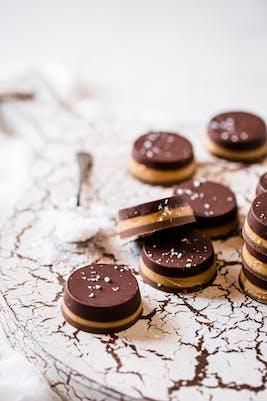 Sockerfria chokladpraliner med jordnötssmör