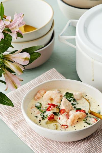 Krämig fisk- och skaldjurssoppa med salvia och chili<br />(Middag)