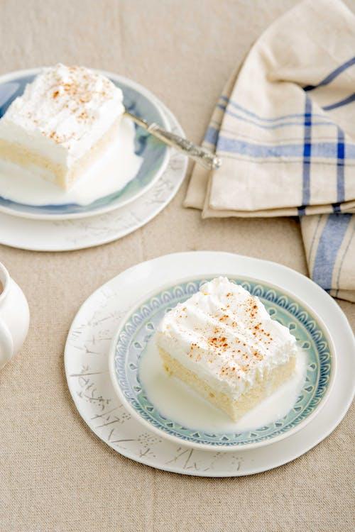 Sockerfri tres leches-tårta