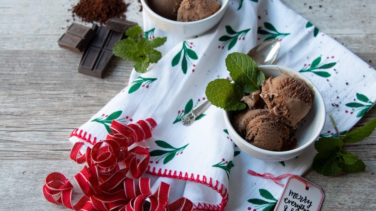 Sockerfri glass med smak av kaffe och pepparmint