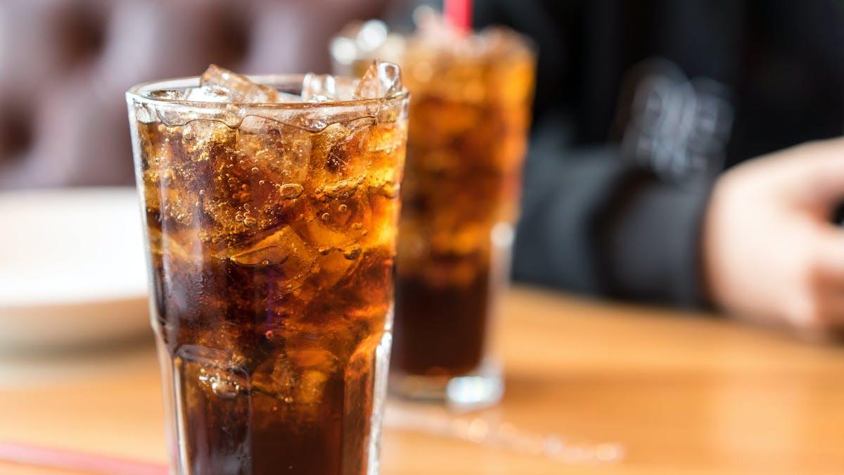 Studie: Effekter av att ersätta sockersötad dryck med sockerfria alternativ