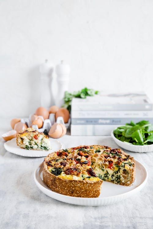 LCHF-paj med grönkål, valnötter och fetaost