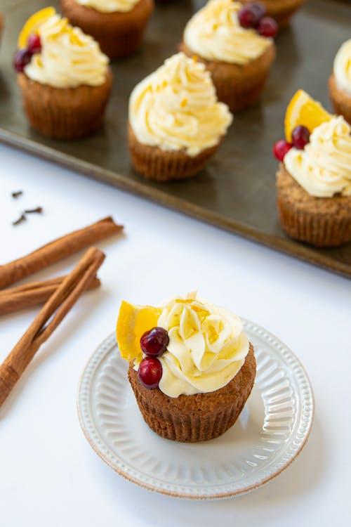 LCHF-pepparkakscupcakes med apelsinfrosting