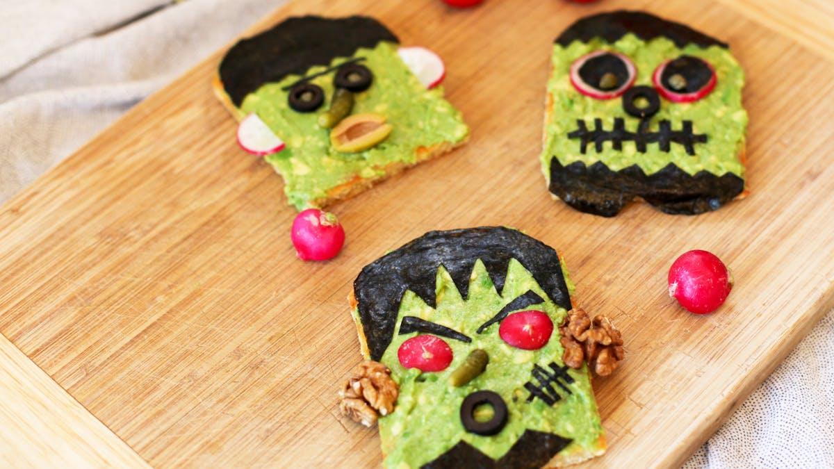 Monster-smörgås med avokadoröra