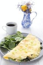 Omelett med sparris och getost