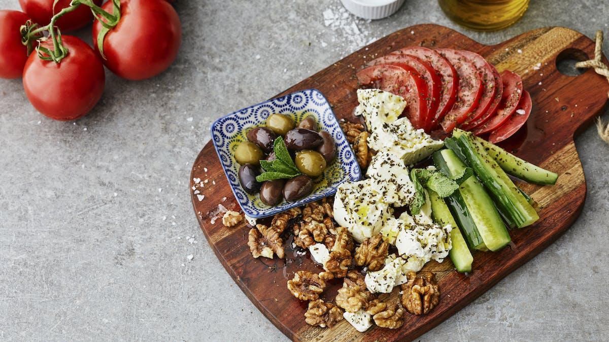 LCHF-frukosttallrik med smak av Medelhavet