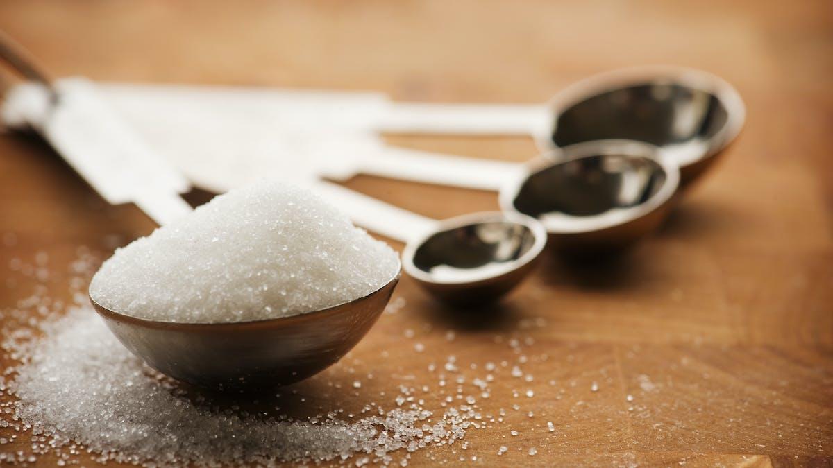Nya kostråd om socker går emot egna experternas beräkningar