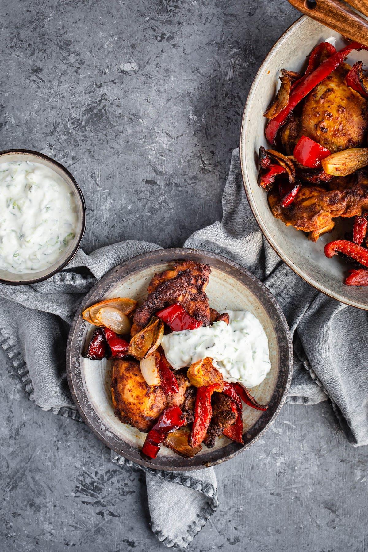 Marockansk kyckling med grönsaker och tzatziki
