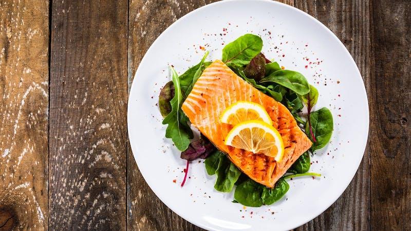 salmon-lemon-and-lettuce-plate